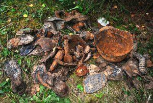 Вместе с останками солдат был найден ряд фрагментов амуниции и снаряжения солдат РККА