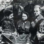 Делегация трудящихся Куйбышевского района на передовых позициях 110-й сд. Ноябрь 1941 г.