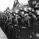 Московская пролетарская стрелковая дивизия на параде на Красной площади. 1930-е гг.