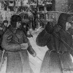 Наро-Фоминск, декабрь 1941. Сапёры расчищают от вражеских мин территорию прядильно-ткацкой фабрики (скорее всего январь-февраль 1942 - прим. редакции сайта).