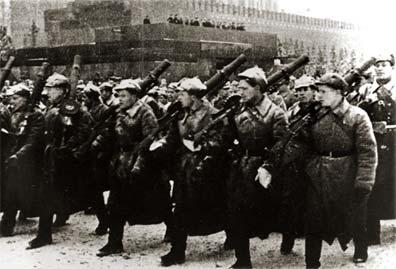 Бойцы с пулемётами Льюиса