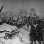 Сгоревший танк Т-34 в центре Наро-Фоминска. Фото сделано предположительно зимой 1942 г.