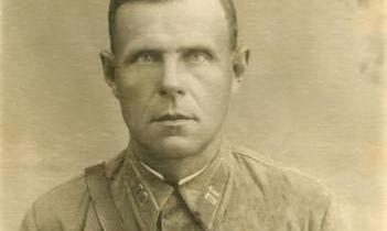 Васенин Петр Васильевич, командир 1290-го СП 113 СД